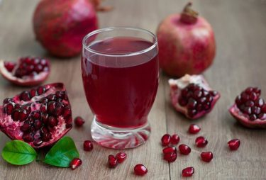 Sparkling-Pomegranate-Juice1 (1)
